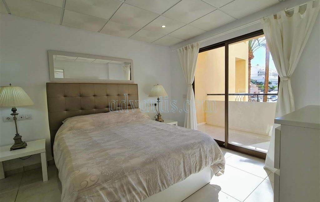 2-bedroom-apartment-for-sale-tenerife-los-cristianos-castle-harbour-complex-38650-0221-03
