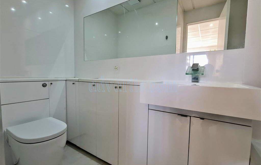 2-bedroom-apartment-for-sale-tenerife-los-cristianos-castle-harbour-complex-38650-0221-06