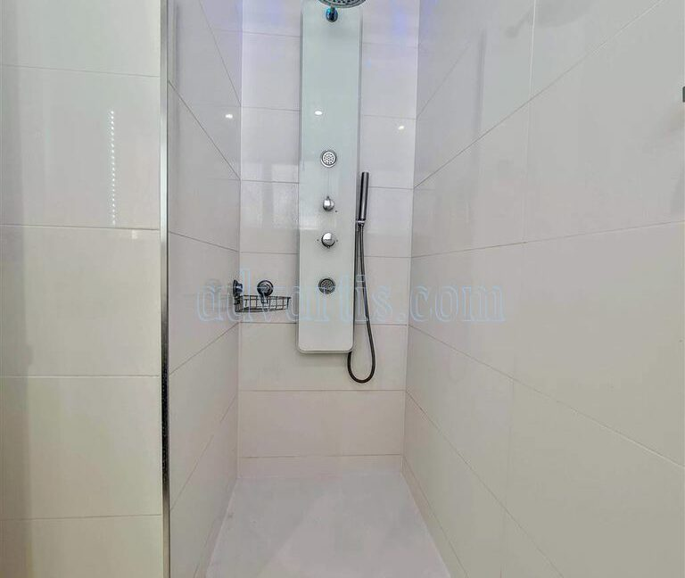 2-bedroom-apartment-for-sale-tenerife-los-cristianos-castle-harbour-complex-38650-0221-09