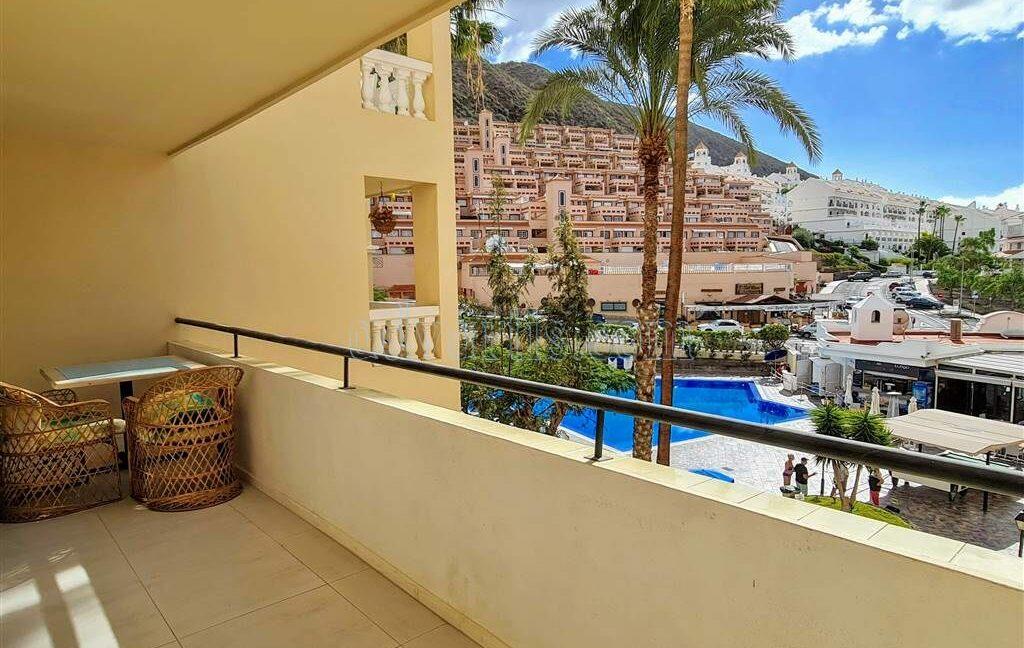 2-bedroom-apartment-for-sale-tenerife-los-cristianos-castle-harbour-complex-38650-0221-11