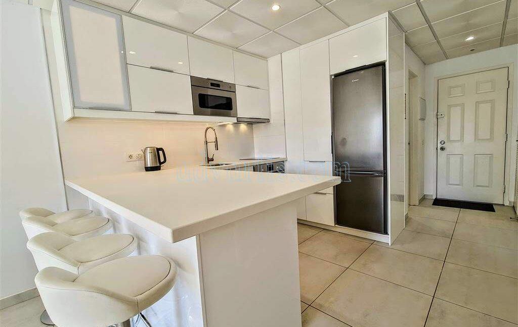 2-bedroom-apartment-for-sale-tenerife-los-cristianos-castle-harbour-complex-38650-0221-12