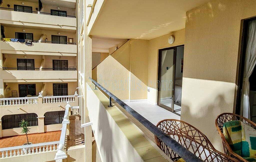 2-bedroom-apartment-for-sale-tenerife-los-cristianos-castle-harbour-complex-38650-0221-13