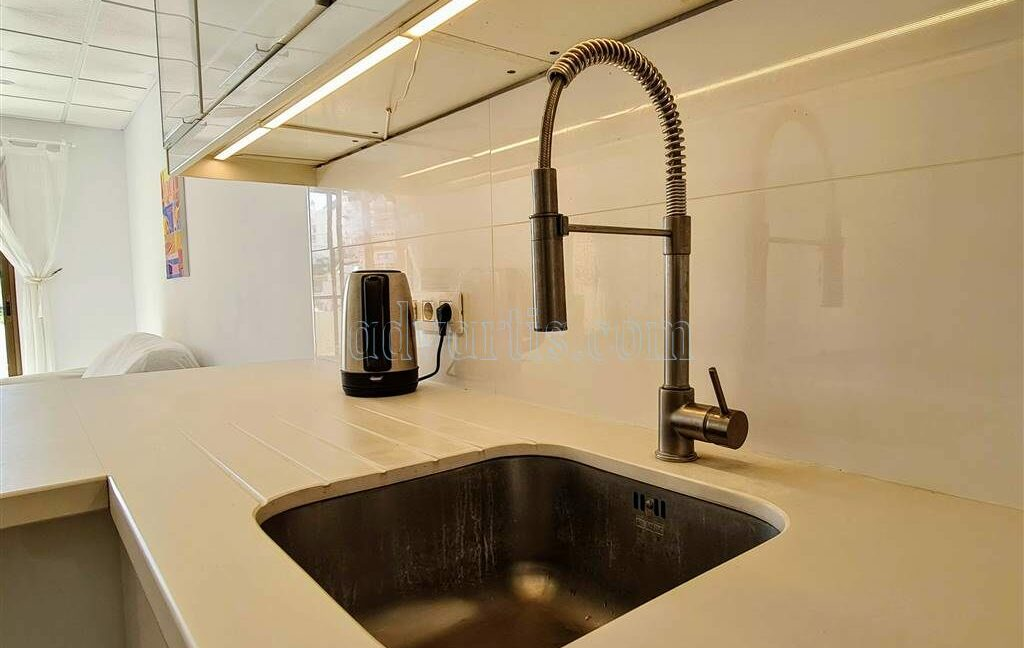 2-bedroom-apartment-for-sale-tenerife-los-cristianos-castle-harbour-complex-38650-0221-19
