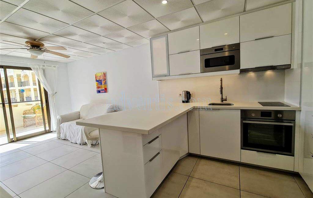 2-bedroom-apartment-for-sale-tenerife-los-cristianos-castle-harbour-complex-38650-0221-22