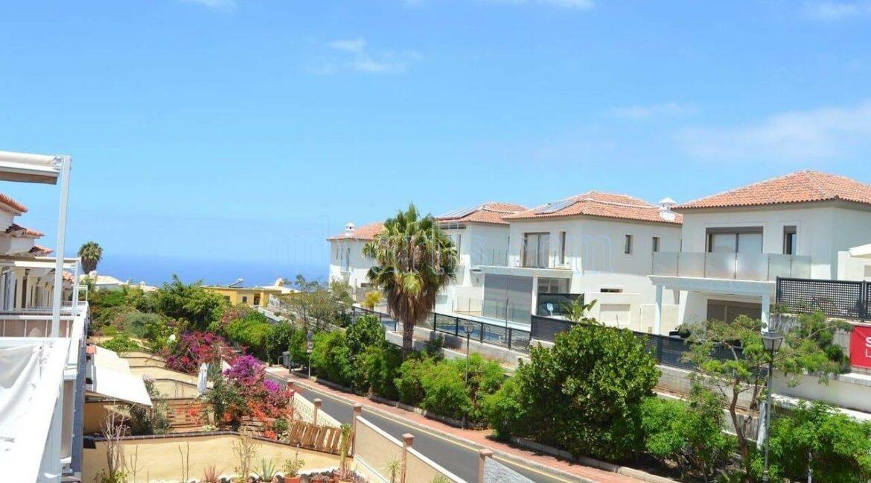 3-bedroom-townhouse-for-sale-la-finca-chayofa-tenerife-38652-1005-22